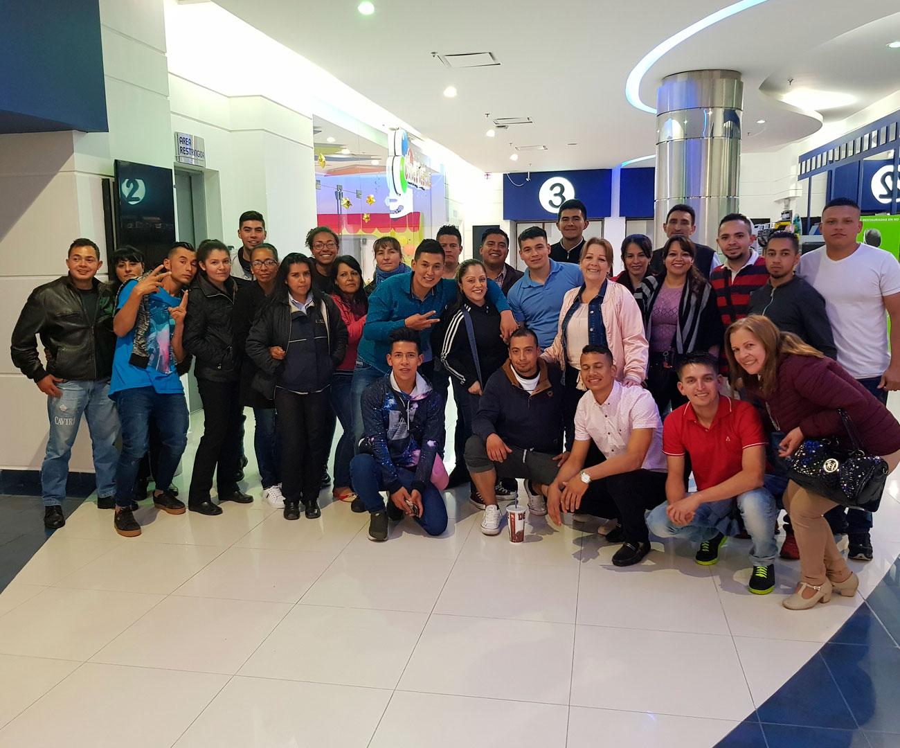 evento patrocinado por Supermercados Caviri en Cine Colombia